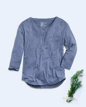 /women/apparel/tops & shirts/three quarter sleeve henley tee?id=wa1-whe-slt